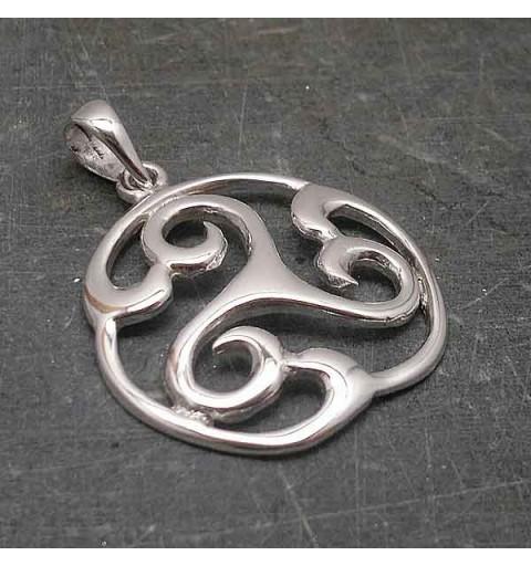 Trisquel silver pendant