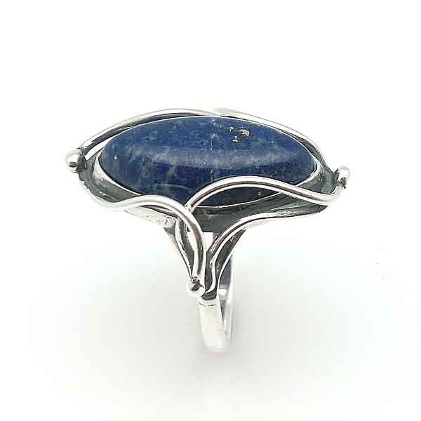 Handmade ring in silver and lapis lazuli