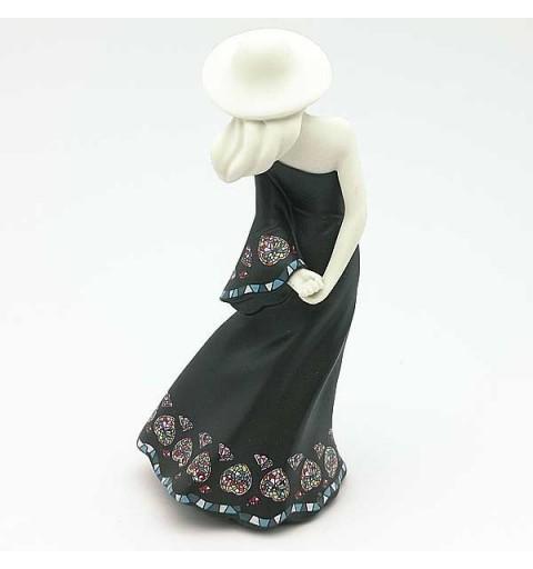Marina, color negro.