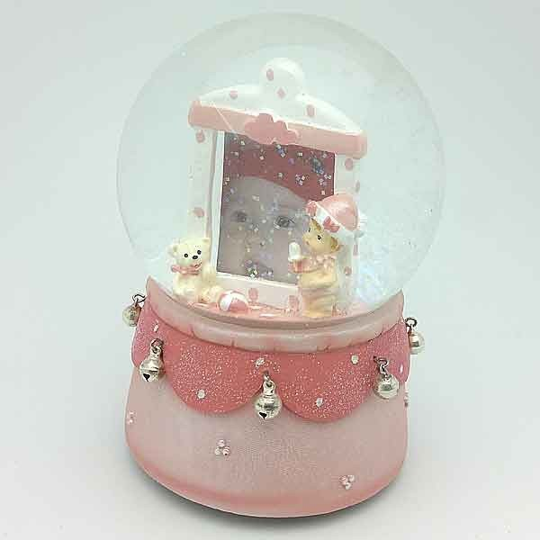 Snowball with picture frame